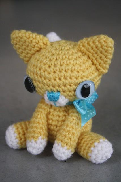 Tiny Amigurumi Cat Pattern : Little kitty - amigurumi pattern Flickr - Photo Sharing!