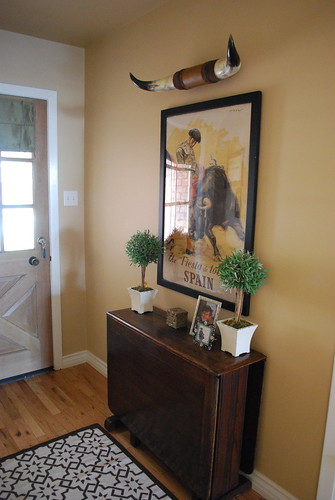 Small Foyer Feng Shui : Design remix entryway