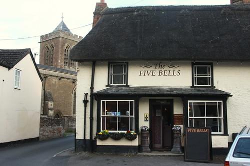 Wootton Bassett, Five Bells