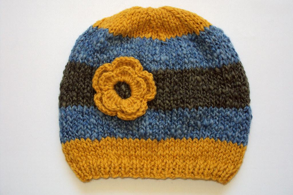 Gorro Tejido A Palillo Con Flor Crochet