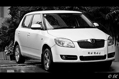 åkoda roomster(0.0), sport utility vehicle(0.0), automobile(1.0), automotive exterior(1.0), family car(1.0), wheel(1.0), supermini(1.0), vehicle(1.0), automotive design(1.0), åkoda fabia(1.0), subcompact car(1.0), city car(1.0), compact car(1.0), bumper(1.0), land vehicle(1.0),