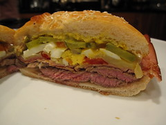 blt, sandwich, meal, chivito, ham and cheese sandwich, muffuletta, meat, veggie burger, food, dish, breakfast sandwich, cuisine,