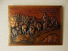 Sun, 22/02/2009 - 08:38 - プンタアレーナスで買った銅製のプレート 3800ペソ(当時のレートで1150円くらい) プンタアレーナスの町に実際にある Monumento al ovejeroというモニュメントを描いた物。