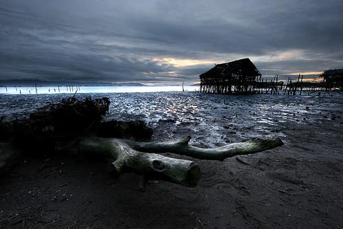 sky clouds sunrise canon philippines hut driftwood shack dri tidalpool silverlining uwa reflectons 1024mm davaodelnorte panabocity sphnxsaldana