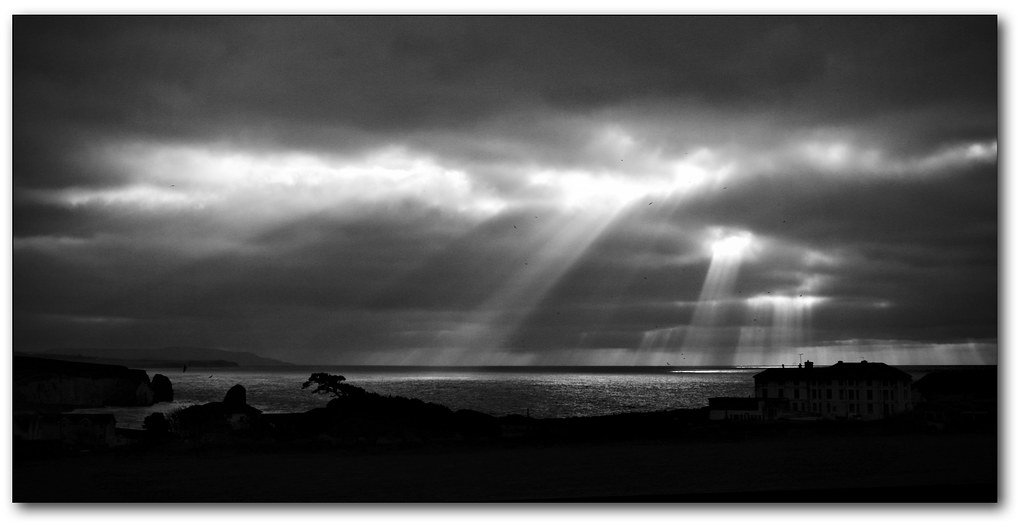 Searching rays - B&W seascape