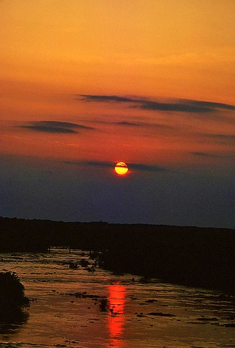 sunset 1982 richmondvirginia goldenhour jamesriver kodachrome64 tisdale endoftheday nikonfm eventide fbdg jamesriversunset1982