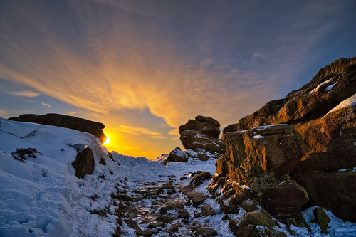 Froggatt Edge_091210_0904 Winter Sunrise