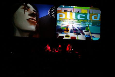Multi_07_08> Fabiana de Barros + Michel Favre (Brasil/ Suiça)
