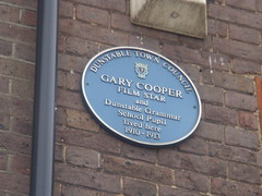 Photo of Gary Cooper blue plaque