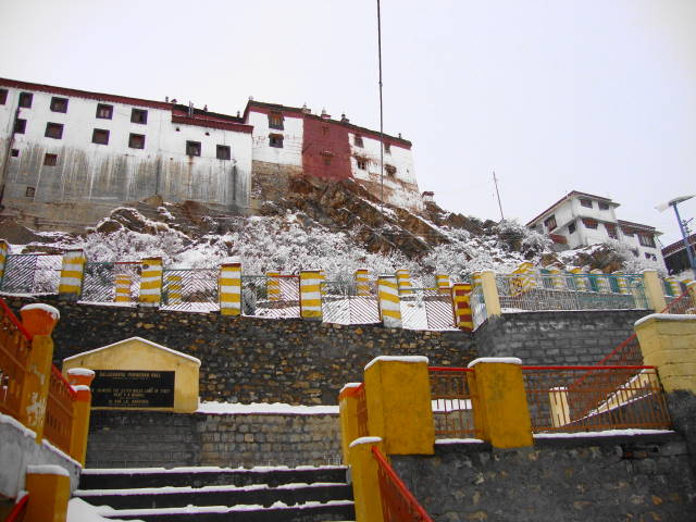 319-Himalayas-Kaza-Ki Gompa- Oldest and largest monastery in Spiti