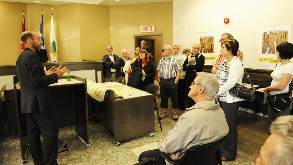 Me Yves Arcand présente la Cour municipale de Victoriaville lors des portes ouvertes en 2011