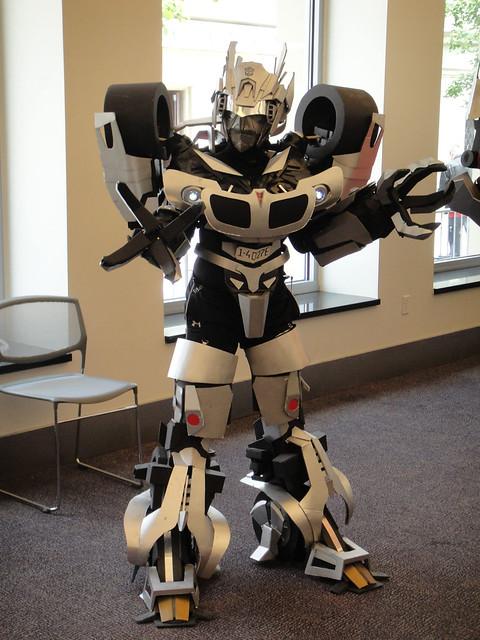 BotCon 2011 - Transformers cosplay