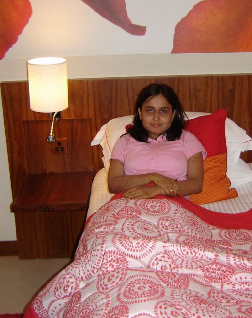 Hot indian bedroom pictures for Indian hot house