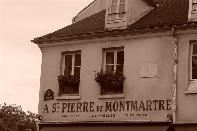 Casitas y tiendas de Antiguedades del Barrio De Montmartre Sacré Coeur, el balcón más bello de París - 3331169584 1b105f45dc z - Sacré Coeur, el balcón más bello de París