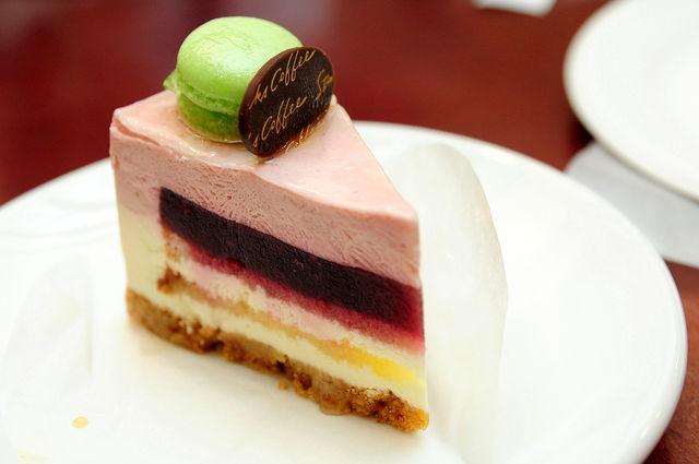 星巴克2009新菜色-黑莓優格乳酪蛋糕