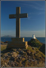 163 Llanddwyn tower & cross