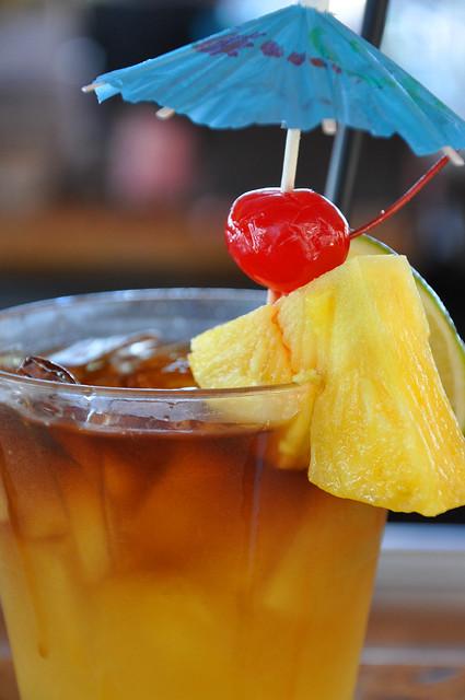 mai tai cocktail with umbrella - photo #25