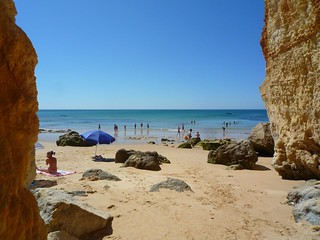 Изображение Praia dos Olhos de Água вблизи Albufeira. sea sun beach portugal sand algarve albufeira