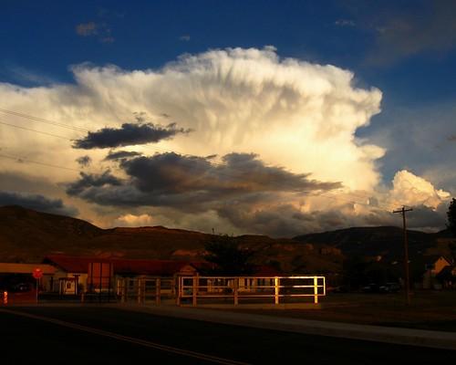 light sunset shadow cloud thunderhead