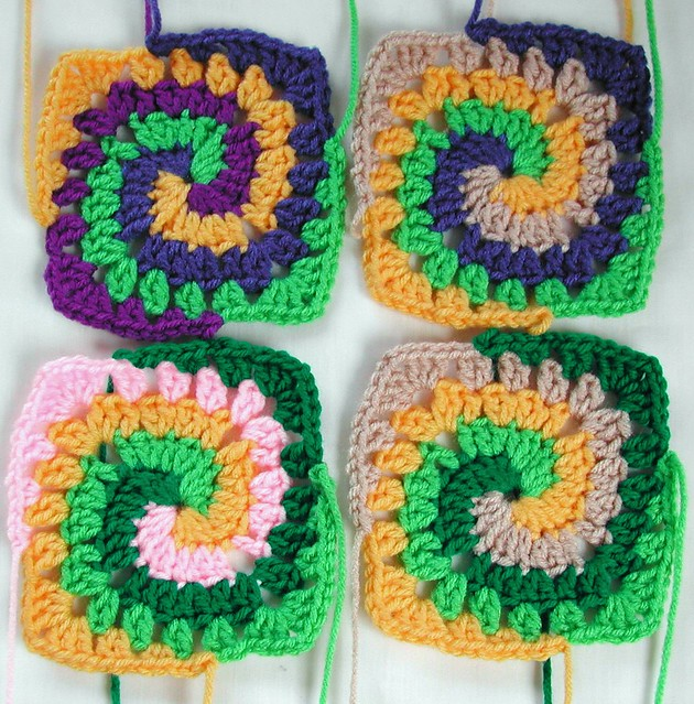 Free Crochet Pattern Spiral Granny Square : 1000+ images about mycrochet spiral grannies on Pinterest ...