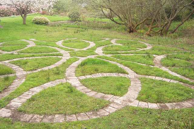 Celtic knot garden finlaystone 1st may 2010 by for Garden design jobs ireland