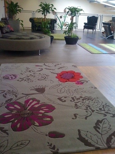 Laminate flooring rugs use laminate flooring for Rugs for laminate floors