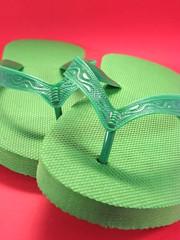 outdoor shoe(0.0), shoe(0.0), footwear(1.0), turquoise(1.0), sandal(1.0), green(1.0), flip-flops(1.0), slipper(1.0),