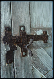 ~old barn door lock~