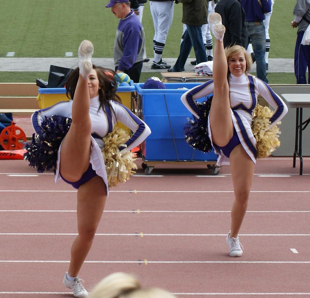 Cheerleaders High Leg Kicks
