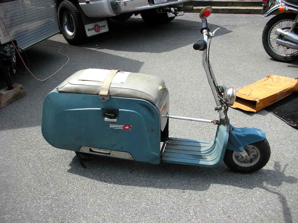 Centaur folding motor scooter