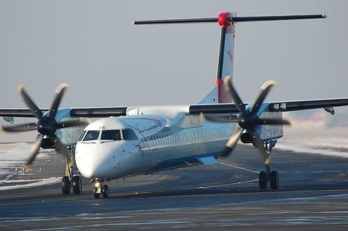 Aircraft (DH8D) silhouette