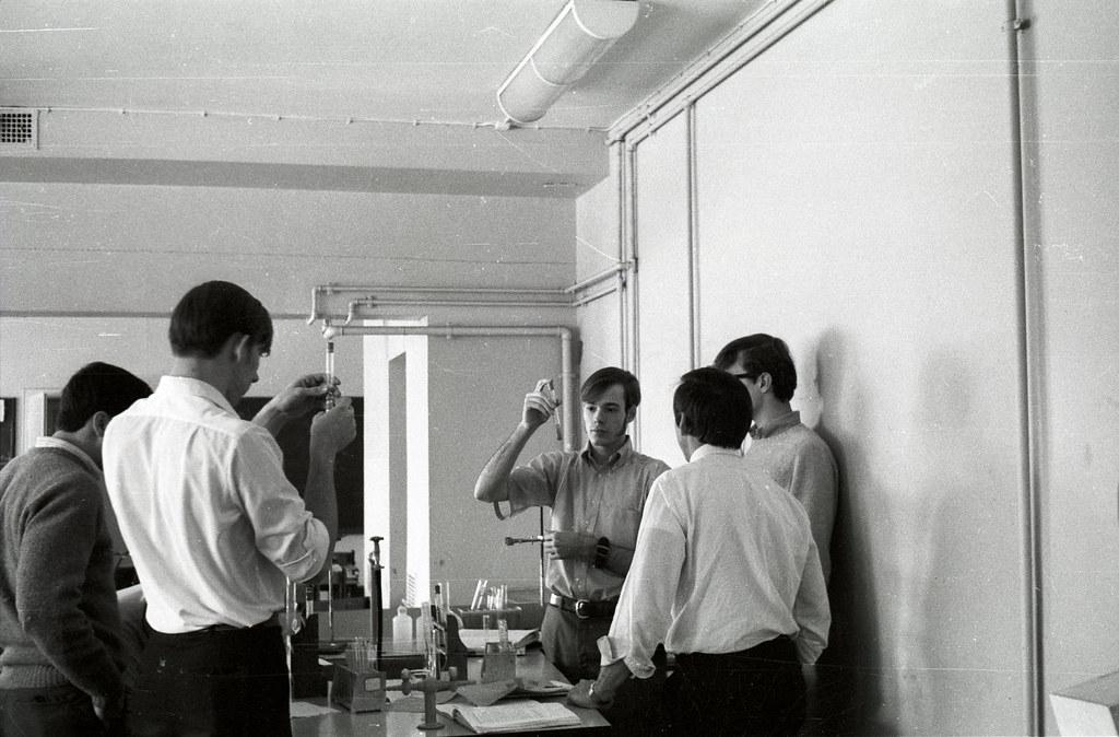 Chemistry Class Nurnberg American High School Nurnberg Ger Flickr