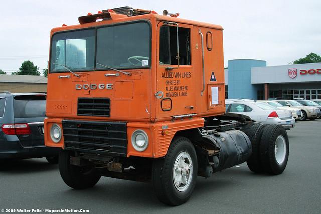 1969 Dodge L-1000