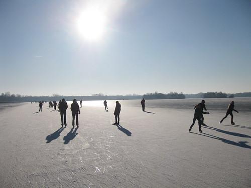 Iceskating on the Paterswoldsemeer