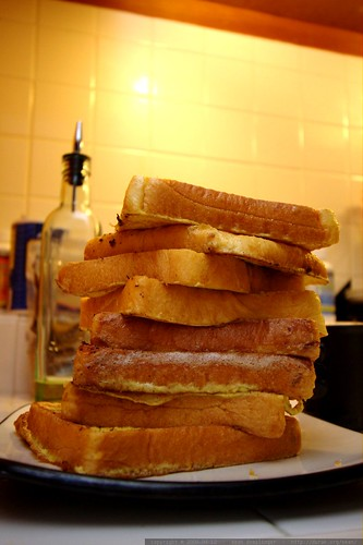 the leaning tower of french toast    MG 1684