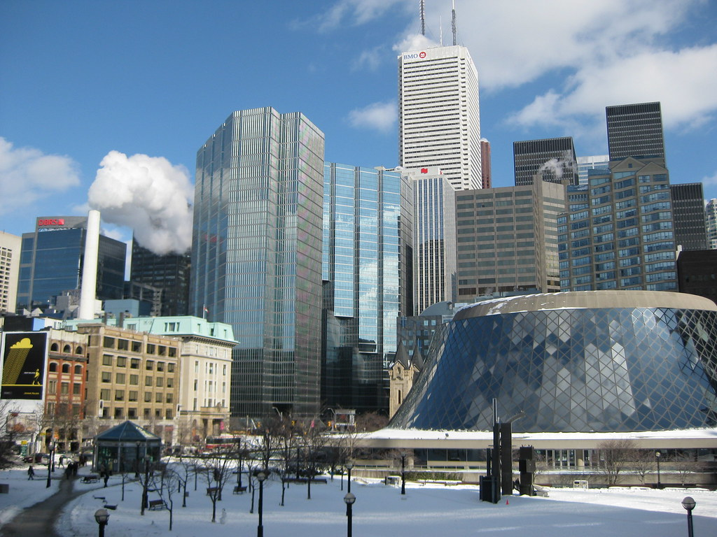Hotels Close To Nathan Phillips Square Toronto