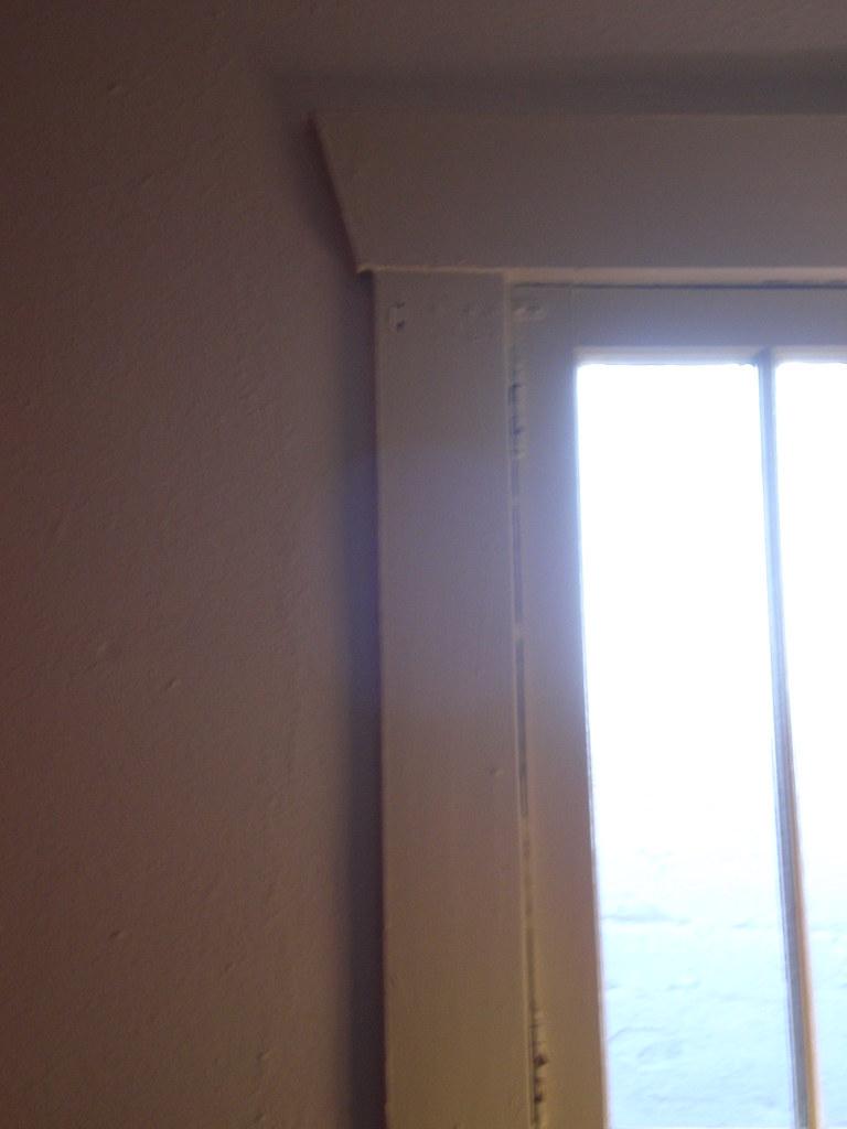 Daylight White (Walls & Windows)