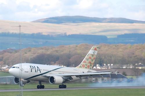 Aeroplane - PIA