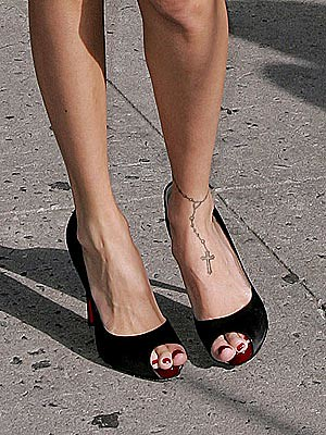 nicole_richie foot tattoo