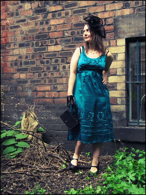 Wedding guest outfit: turquoise and black