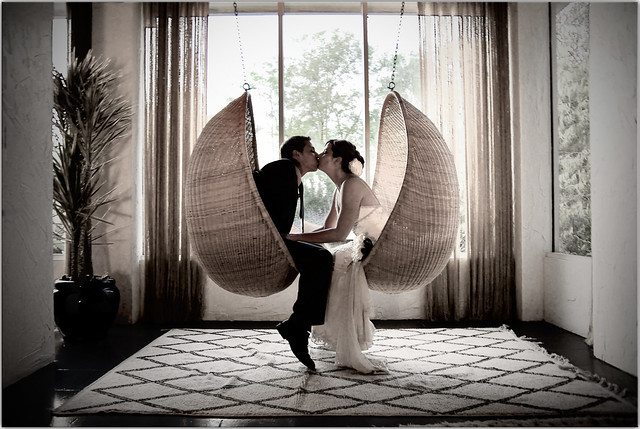 3593194832 ddccba3ea7 z [Pics] Flickr Spotlight #5 – Amazing Kissing Couples Photos