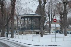 Kiosque sous la neige