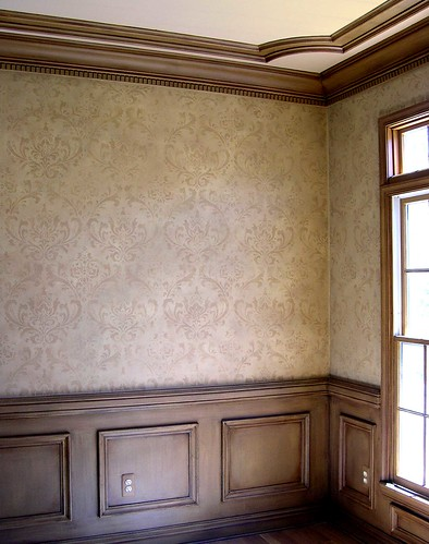 Damask wall stencil dining room damask wallpaper stencils for Damask wallpaper living room ideas