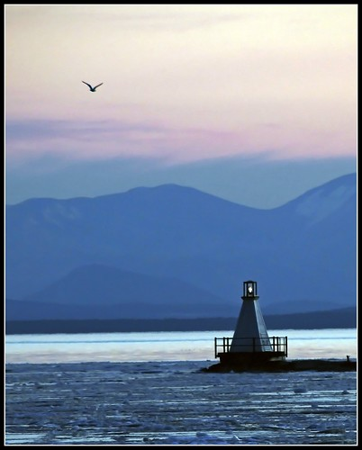 Burlington Breakwater South Lighthouse (Credit: Tony Fischer Photography on Flickr.com)