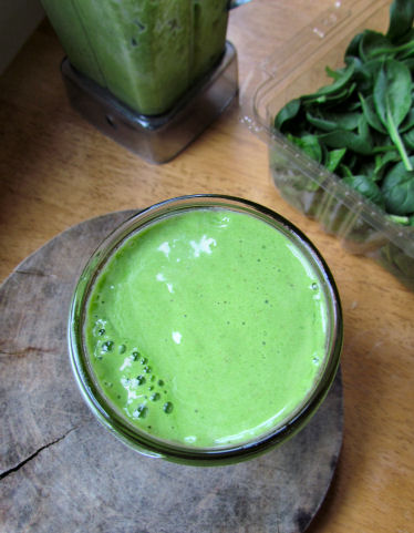 Green Vanilla Chia Breakfast Smoothie