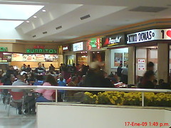 restaurant(0.0), fast food(0.0), retail-store(0.0), food court(1.0), fast food restaurant(1.0), cafeteria(1.0), shopping mall(1.0),