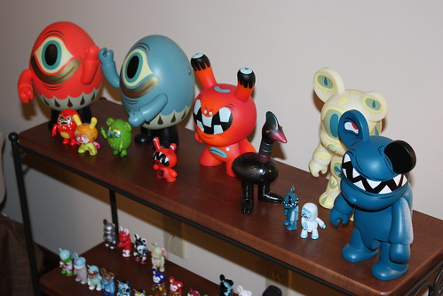 Biskup (feat. Burgerman) Collection of Qees and Dunnies Side Shot