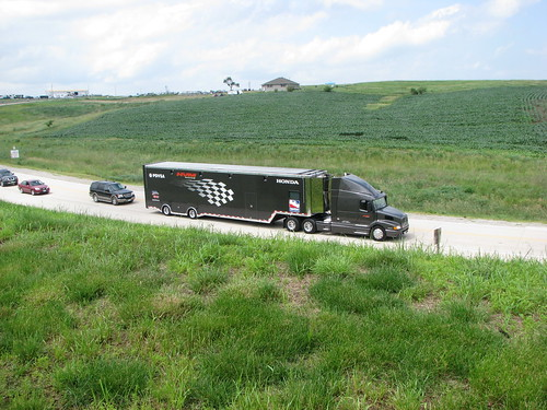 truck semi autoracing motorsports newton irl indycar tractortrailer hauler indyracingleague pdvsa hvmracing iowaspeedway ejviso 2009iowacornindy250