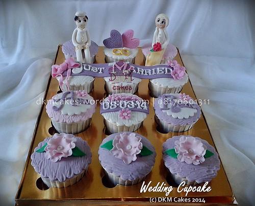 wedding cupcake, DKM CAKES, dkmcakes, toko kue online jember bondowoso lumajang, toko kue jember, pesan kue jember, jual kue jember, kue ulang tahun jember, pesan kue ulang tahun jember, pesan cake jember, pesan cupcake jember, cake hantaran, cake bertema, cake reguler jember, kursus kue jember, kursus cupcake jember, pesan kue ulang tahun anak jember, pesan kue pernikahan jember, custom design cake jember, wedding cake jember, kue kering jember bondowoso lumajang malang surabaya, DKM Cakes no telp 08170801311 / 27eca716