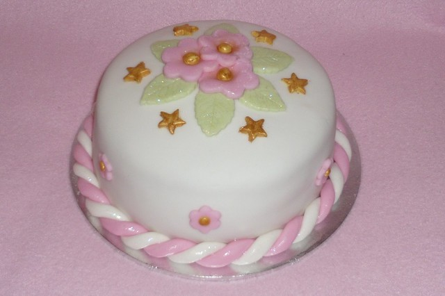 Small covered round cake Flickr - Photo Sharing!
